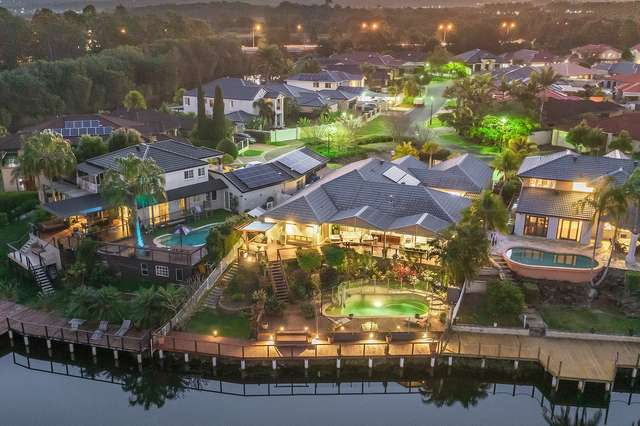 24 Martingale Circuit, Clear Island Waters QLD 4226