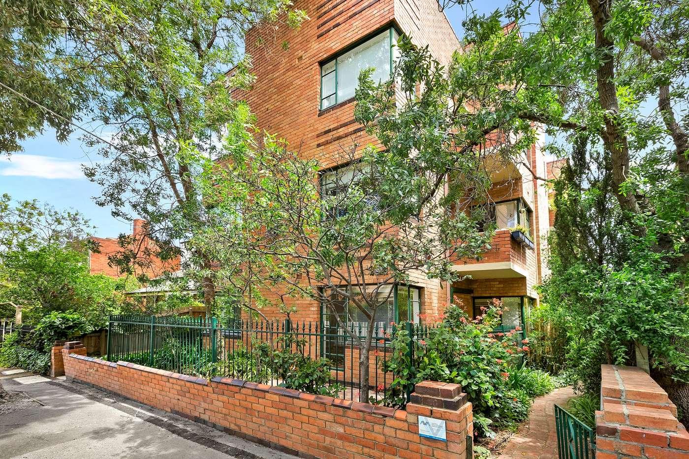Main view of Homely apartment listing, 5/40 Burnett Street, St Kilda VIC 3182