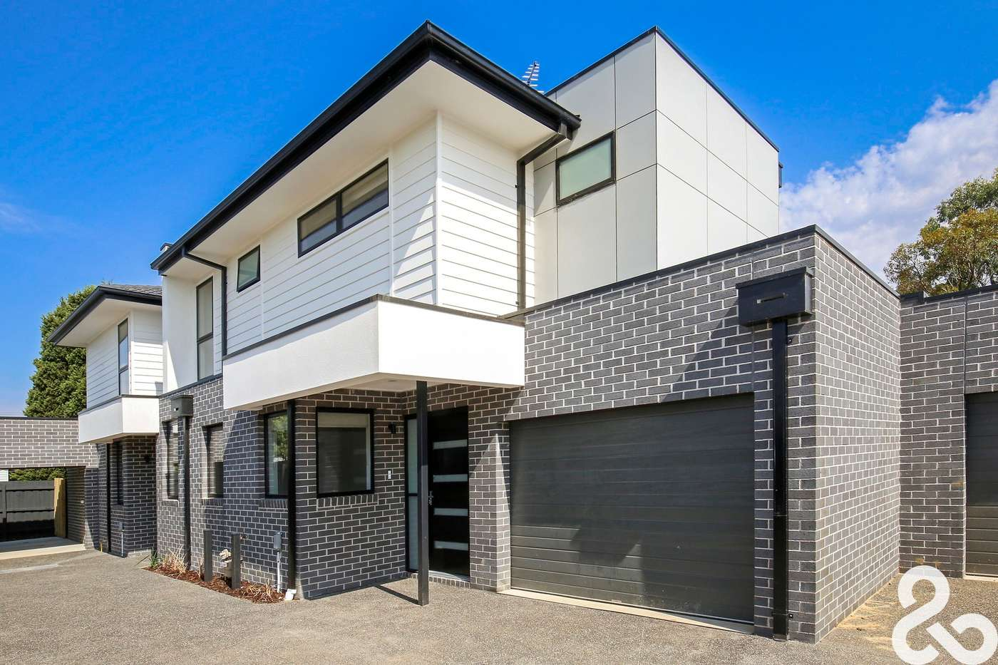 Main view of Homely townhouse listing, 2/21 Barwon Avenue, Reservoir, VIC 3073