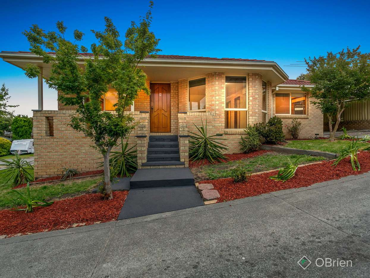 Main view of Homely house listing, 4 Shannon Place, Langwarrin, VIC 3910