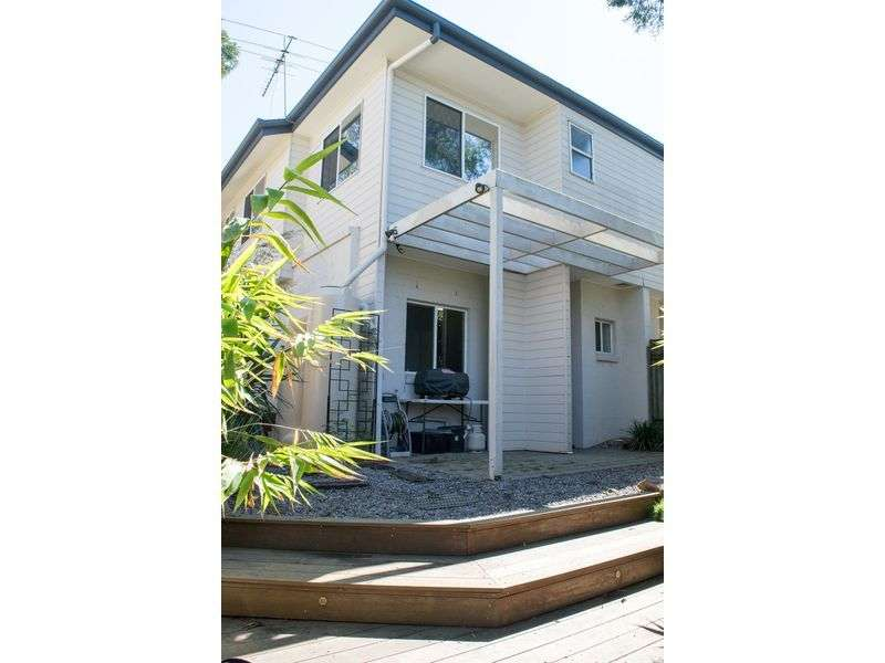 Main view of Homely townhouse listing, 2/20 Venner Road, Annerley, QLD 4103