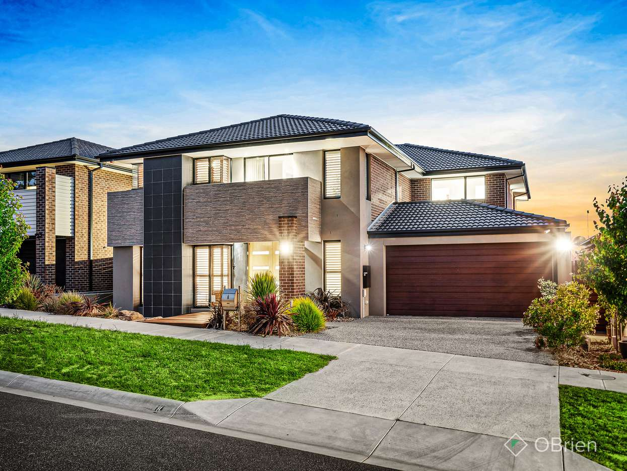 Main view of Homely house listing, 8 Flagstaff Crescent, Clyde North, VIC 3978