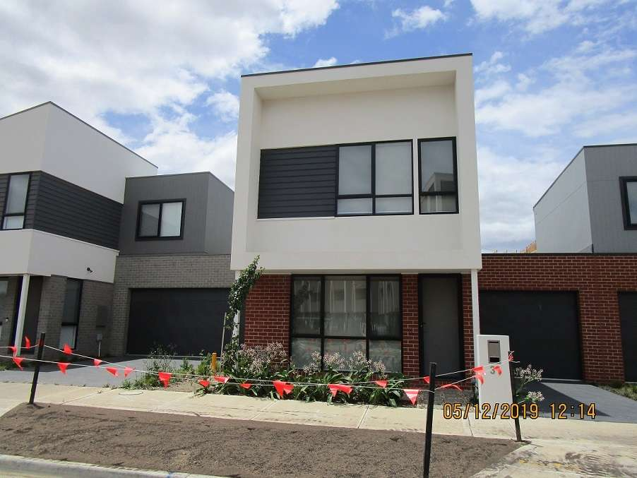 Main view of Homely townhouse listing, 31 Oakden Crescent, St Albans, VIC 3021