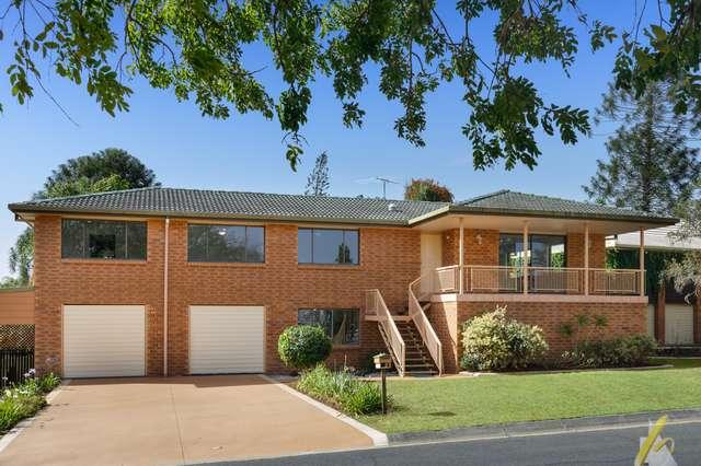 4 Mondra Street, Kenmore Hills QLD 4069