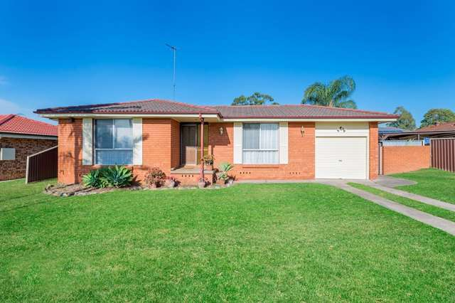 10 Moore Street, St Clair NSW 2759