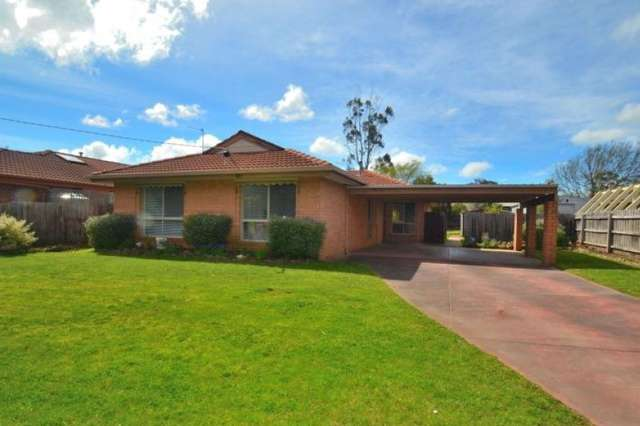 9 Quinta Drive, Mount Clear VIC 3350