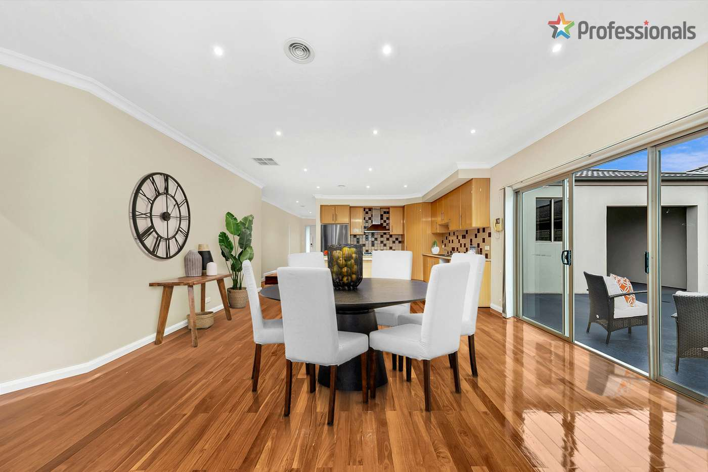Seventh view of Homely house listing, 31 Nepean Way, Taylors Hill VIC 3037
