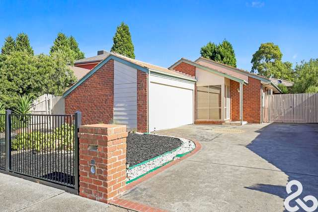 10 Tench Court, Mill Park VIC 3082