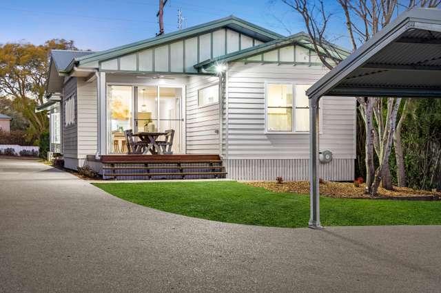 55 Mary Street, Mount Lofty QLD 4350