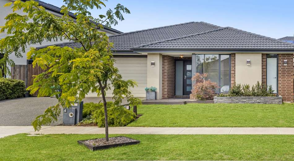 4 Lothbury Drive, Clyde North VIC 3978