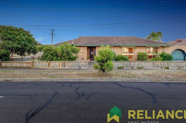 19 Lang Road, Melton South VIC 3338