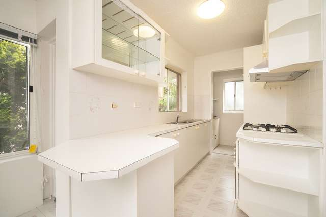 4/7 Clarence Avenue, Dee Why NSW 2099