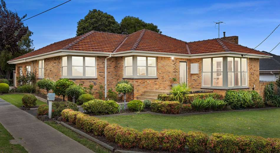 31 Robinlee Avenue, Burwood East VIC 3151