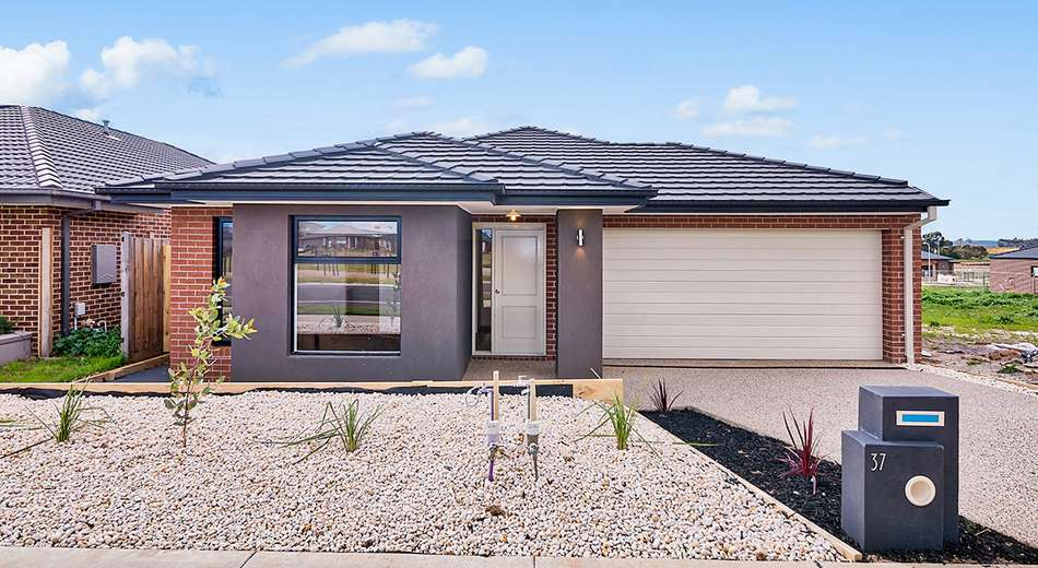37 Parkgate Drive, Clyde North VIC 3978