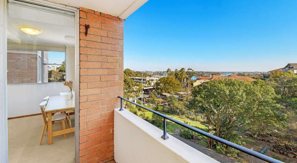 14/2 Crows Nest Road