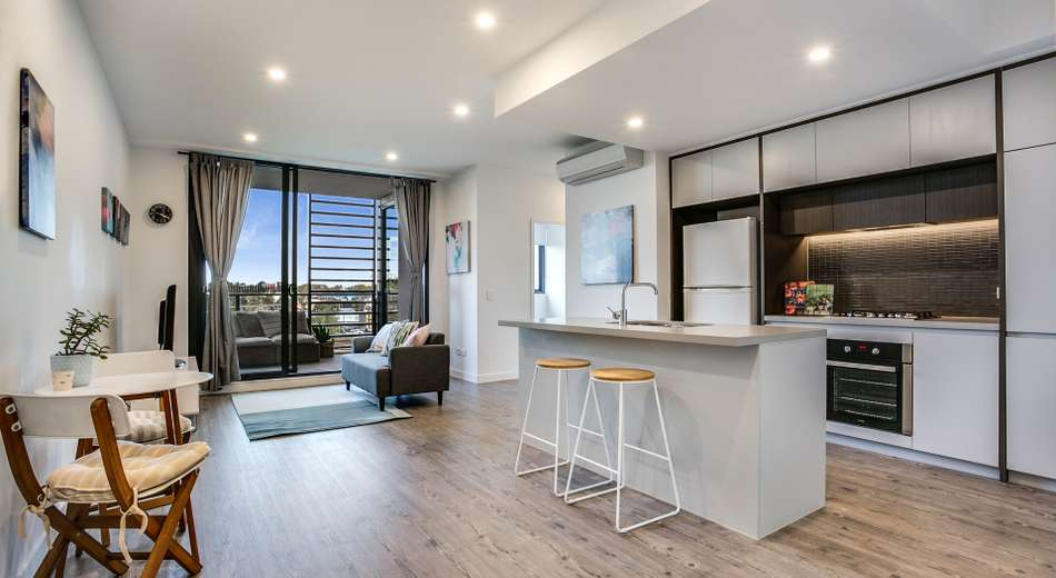 904/81A Lord Sheffield Circuit, Penrith NSW 2750