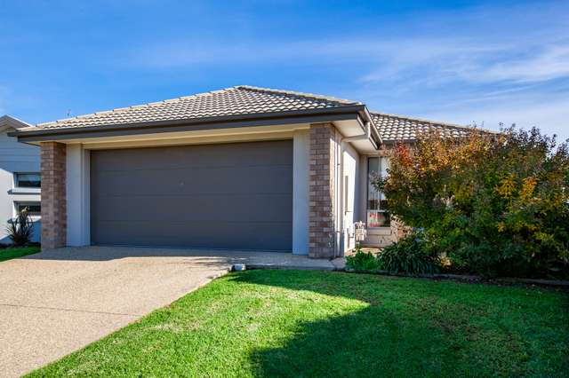 25 Kendall Drive, Hamilton Valley NSW 2641