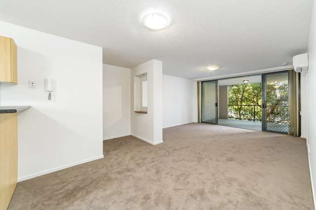 28/7 Landsborough Terrace, Toowong QLD 4066