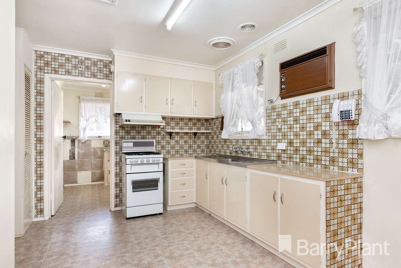 Fifth view of Homely house listing, 8 Putt Grove, Keysborough VIC 3173