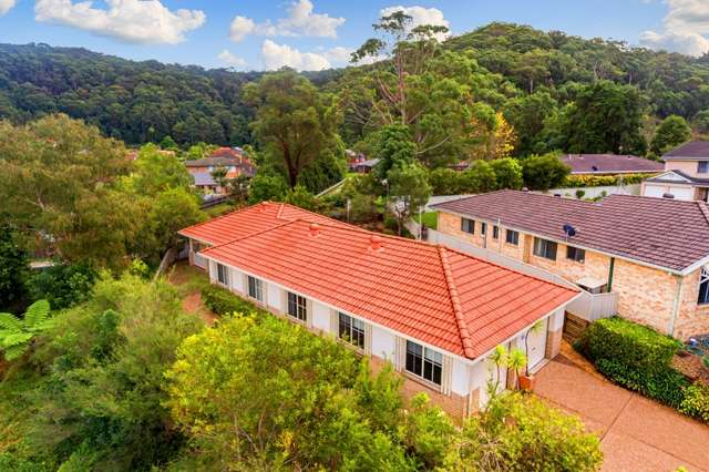 1 Finch Place, Point Clare NSW 2250