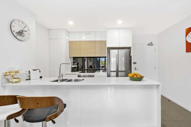 2205/1-7 Waterford Court, Bundall QLD 4217