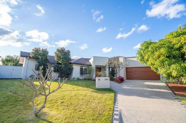3 Xavier Place, Oxenford QLD 4210
