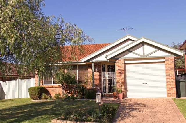 44 Thompson Crescent, Glenwood NSW 2768