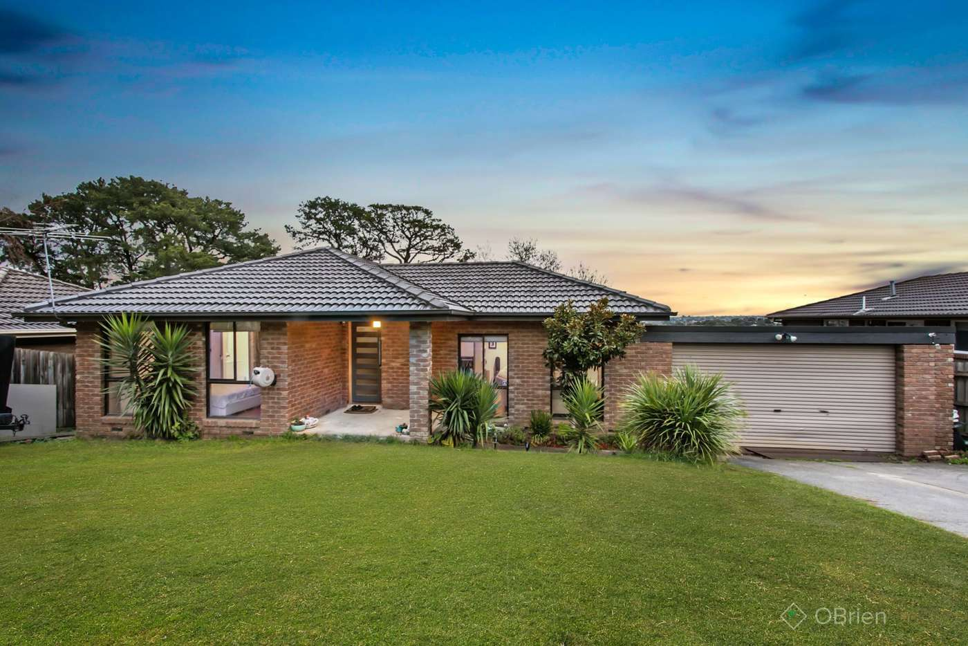 Main view of Homely house listing, 4 Simmonds Place, Endeavour Hills VIC 3802