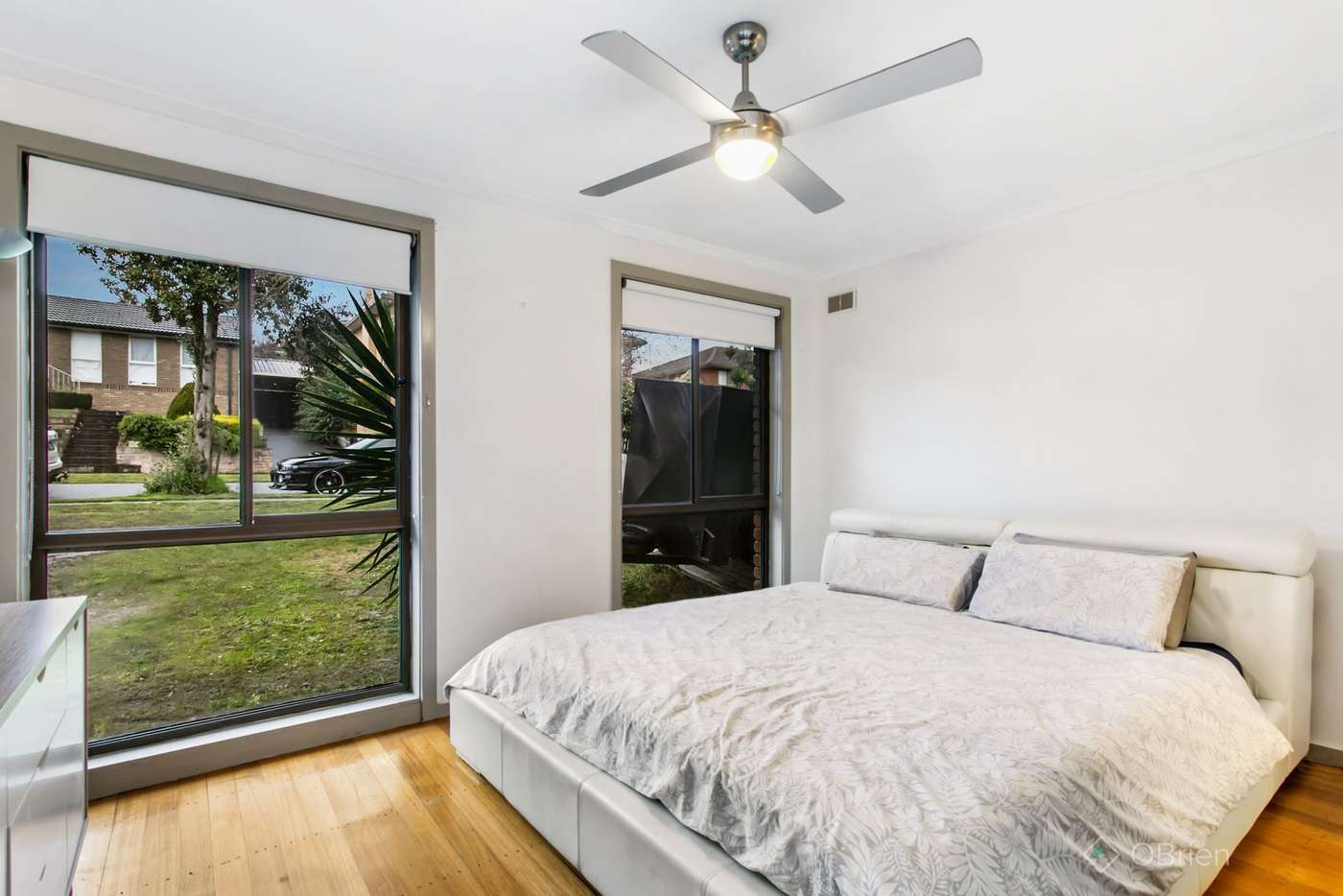 Sixth view of Homely house listing, 4 Simmonds Place, Endeavour Hills VIC 3802