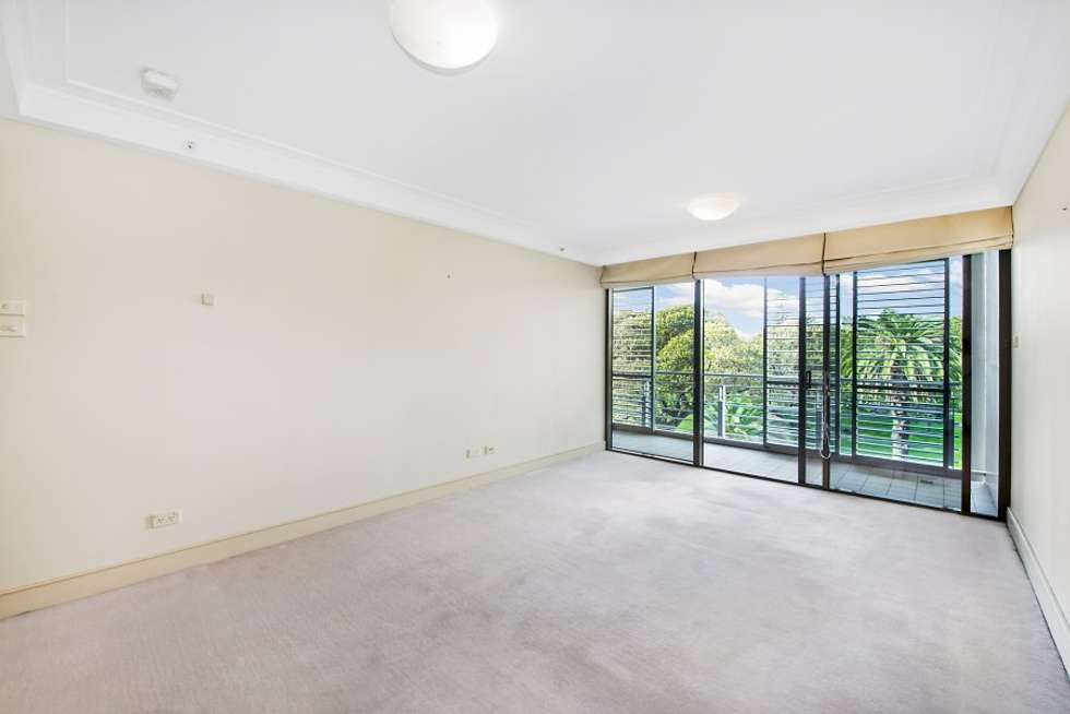 Third view of Homely apartment listing, 63/3 Macquarie Street, Sydney NSW 2000
