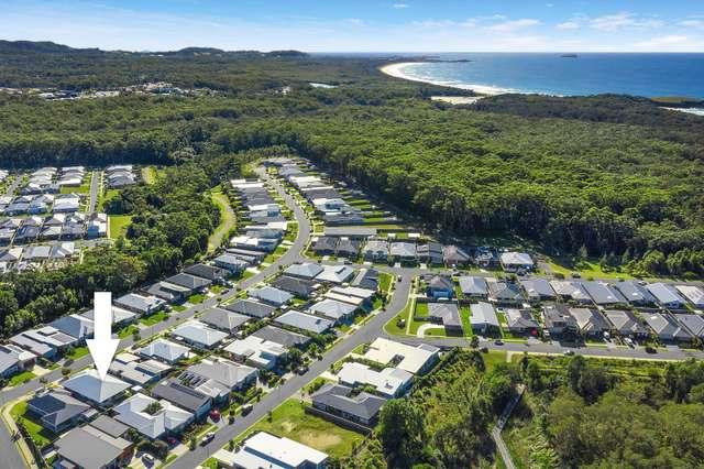 4 Watergum Close, Sapphire Beach NSW 2450