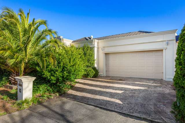8 Rowell Place, Taylors Lakes VIC 3038
