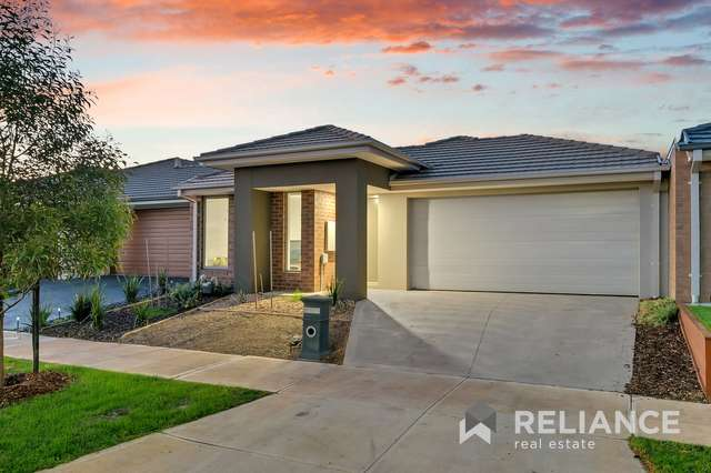 25 Brooksby Circuit, Melton West VIC 3337