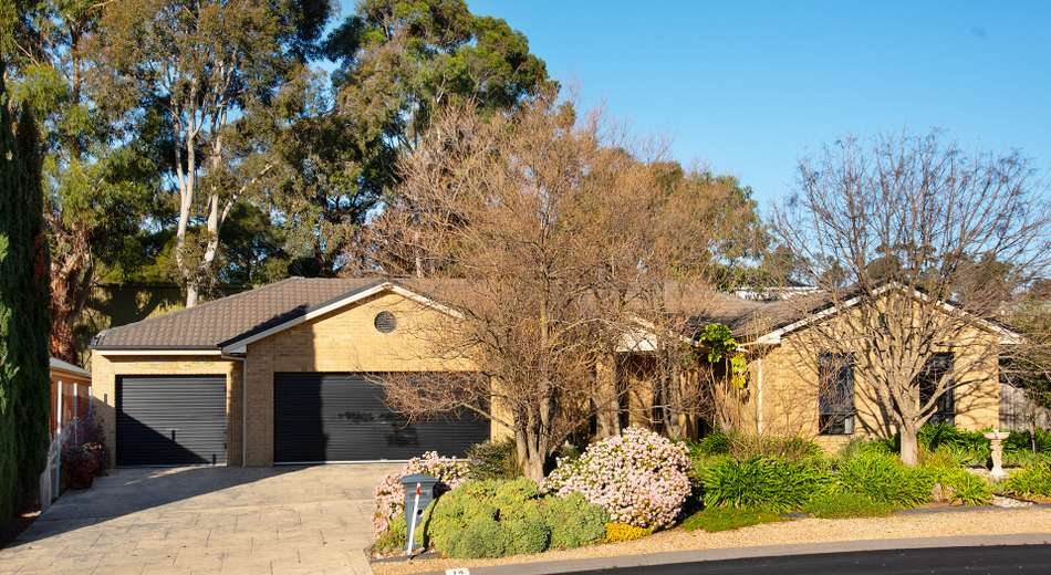 14 Isabella Grove, Strathdale VIC 3550