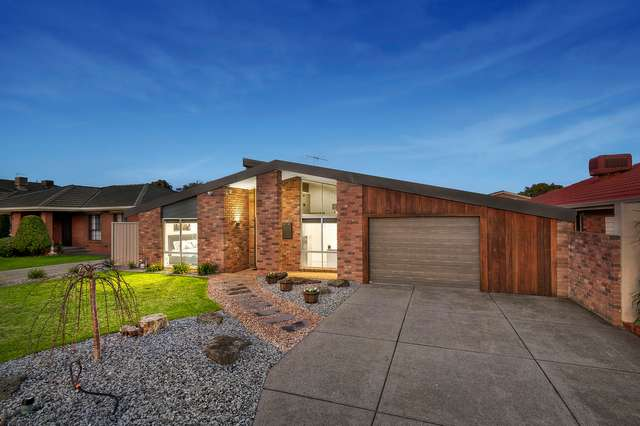 44 Chichester Drive, Taylors Lakes VIC 3038