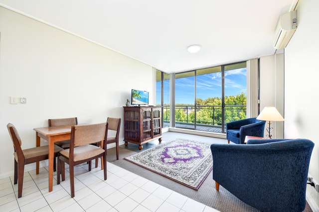 4/27 Bennelong Parkway, Wentworth Point NSW 2127