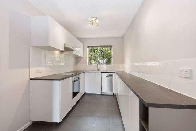 2/10 Stopford Street, Wooloowin QLD 4030