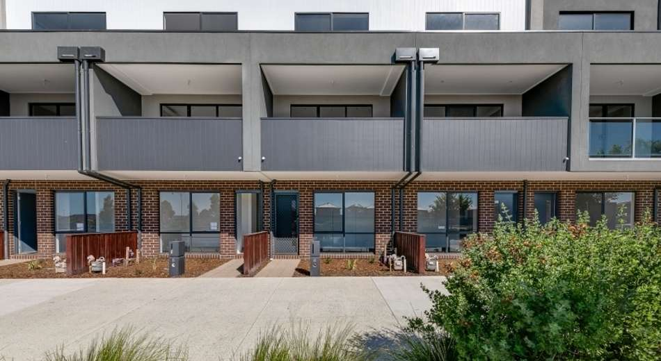 1/6 Village Way, Pakenham VIC 3810