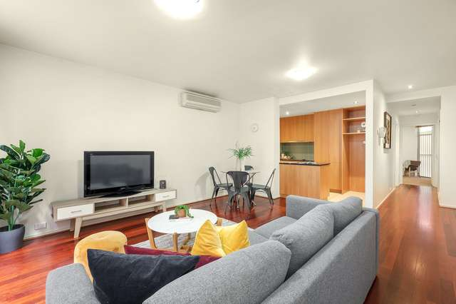 2/8 Tyrone Street, North Melbourne VIC 3051