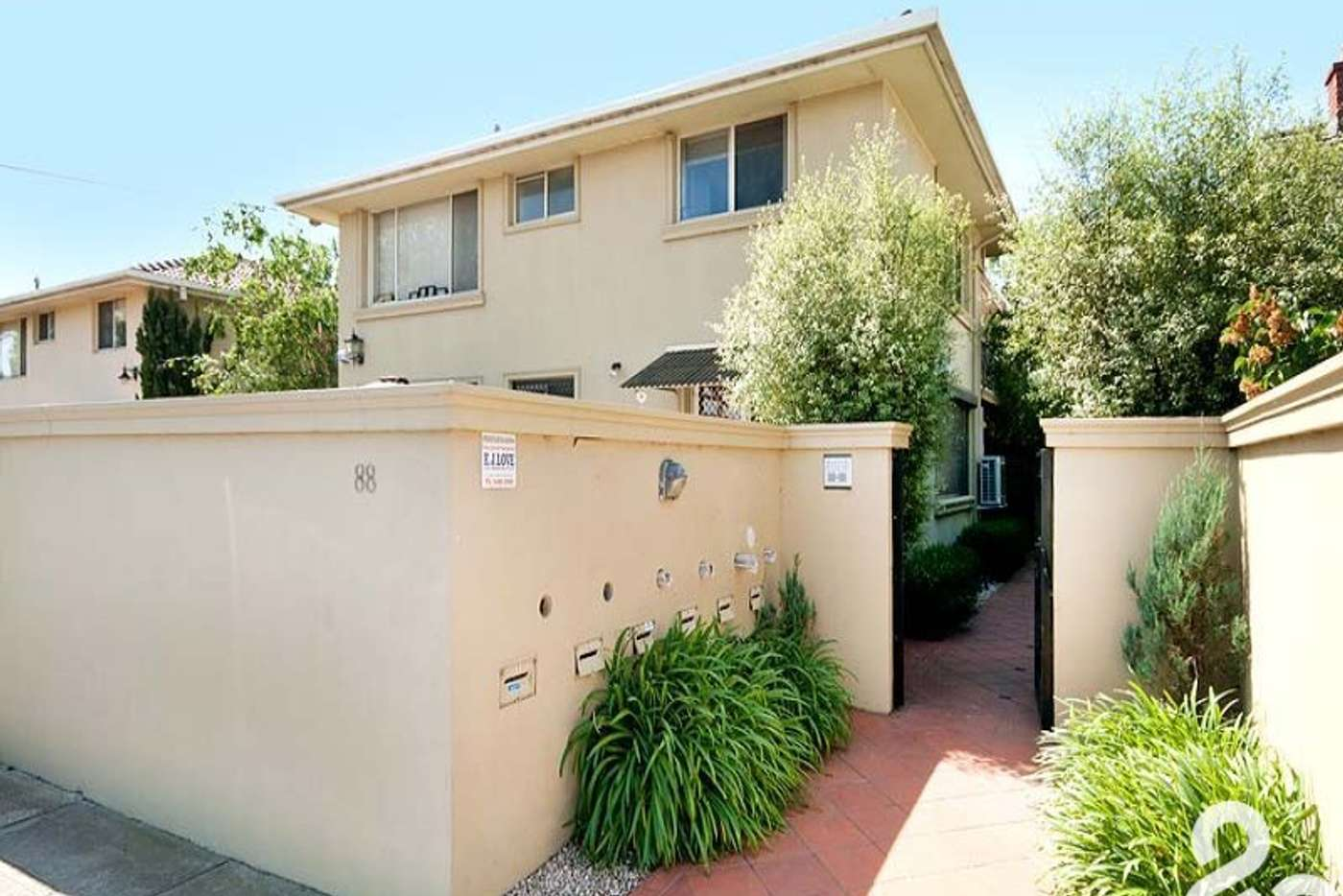Main view of Homely unit listing, 4/88 Normanby Avenue, Thornbury VIC 3071