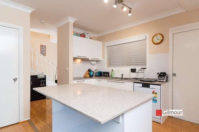 2/235 Windsor Road, Northmead NSW 2152