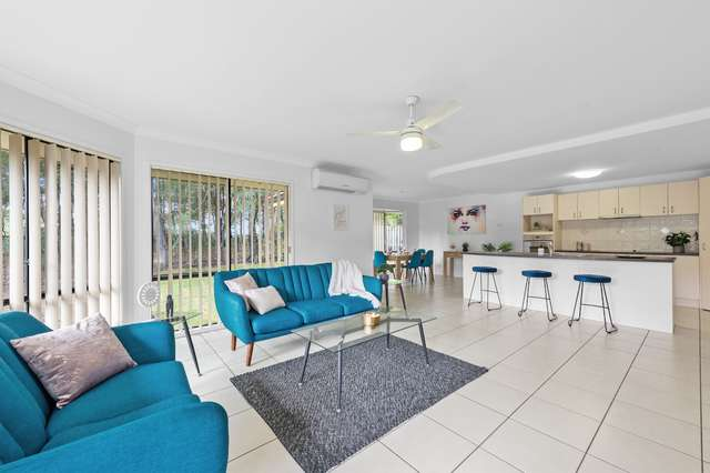 34 Whitfield Crescent, North Lakes QLD 4509