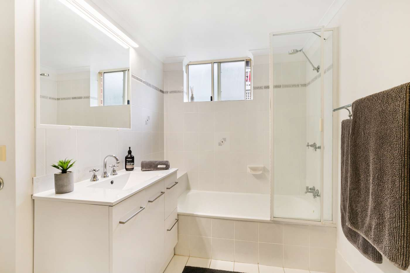 Sixth view of Homely unit listing, 3/49 Durham Street, St Lucia QLD 4067