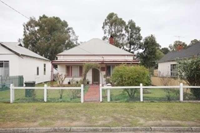 10 Gladstone Crescent, Collie WA 6225
