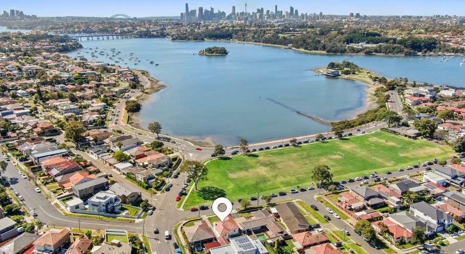 51 Nield Avenue, Rodd Point NSW 2046