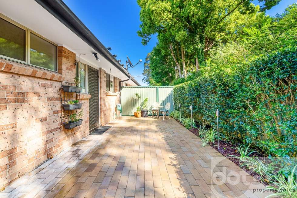 Third view of Homely villa listing, 2/207 Albany Street, Point Frederick NSW 2250