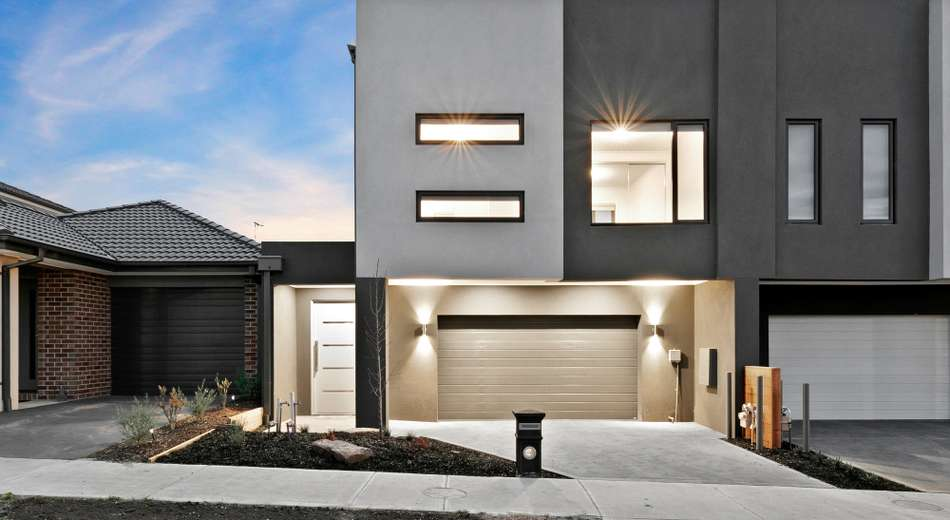 22 Swindale Way, Clyde North VIC 3978