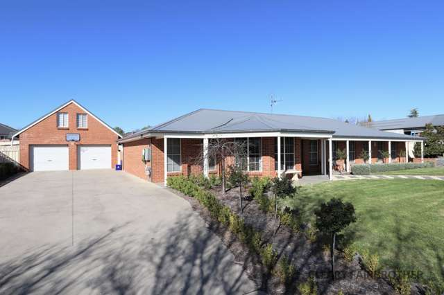 9 Lister Crescent, Kelso NSW 2795