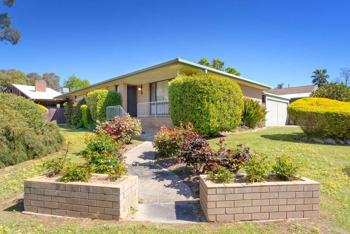 Main view of Homely house listing, 8 Bourke Crescent, Wodonga VIC 3690