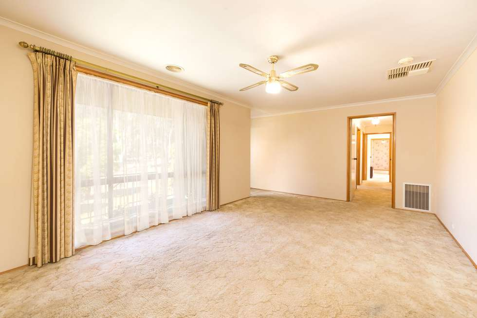 Second view of Homely house listing, 8 Bourke Crescent, Wodonga VIC 3690